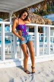 Mulher bonita na praia do verão Fotos de Stock Royalty Free