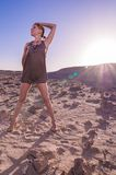 Mulher bonita no deserto Fotos de Stock Royalty Free