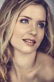 Mulher bonita no efeito transversal do processo Foto de Stock Royalty Free