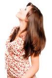 Mulher bonita nova com cabelos marrons longos luxuosos Fotos de Stock Royalty Free