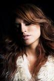 Jovem mulher com extensões do cabelo. Imagens de Stock Royalty Free