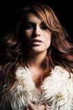 Jovem mulher com extensões do cabelo. Imagens de Stock