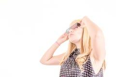 Mulher bonita nova com vidros 3d, Fotografia de Stock Royalty Free
