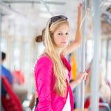 Mulher bonita, nova em um eléctrico/tramway Fotos de Stock Royalty Free