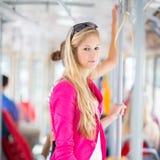 Mulher bonita, nova em um eléctrico/tramway Imagem de Stock Royalty Free