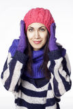 Mulher bonita nova na roupa do inverno Imagem de Stock