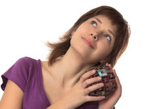 A mulher bonita nova prende um vaso Imagem de Stock