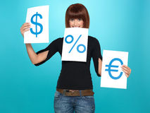 Mulher bonita que mostra o dólar, euro, sinais de por cento Foto de Stock Royalty Free