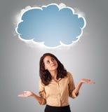 Mulher bonita que olha o espaço abstrato da cópia da nuvem Imagem de Stock
