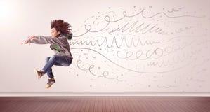 A mulher bonita que saltam com linhas tiradas mão e as setas saem Imagem de Stock