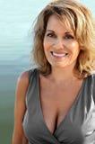 Mulher bonita que veste Grey Dress Imagens de Stock