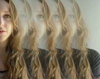 Mulher bonita refletida Fotografia de Stock Royalty Free