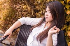Mulher bonita séria do retrato Fotografia de Stock Royalty Free