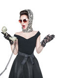 Mulher bonita surpreendida no estilo do pino-acima com telefone retro mim Imagem de Stock