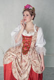 Mulher bonita triste no vestido medieval antiquado Imagem de Stock Royalty Free