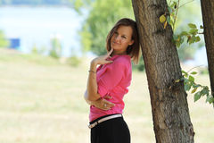 Mulher bonito no parque Foto de Stock Royalty Free