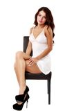 Mulher bonito, 'sexy' na roupa interior isolada no branco Fotos de Stock