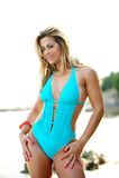 Mulher brasileira na praia Fotos de Stock Royalty Free