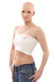 Mulher calva com a fita de Awereness do câncer da mama fotografia de stock royalty free