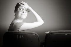 Mulher caucasiano atrativa no teatro nela Fotografia de Stock