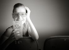 Mulher caucasiano atrativa no teatro nela Imagem de Stock Royalty Free