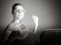 Mulher caucasiano atrativa no teatro nela Fotos de Stock Royalty Free
