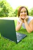 Mulher caucasiano da beleza ao ar livre imagens de stock royalty free