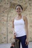 Mulher chinesa asiática no rockclimb exterior Imagem de Stock Royalty Free
