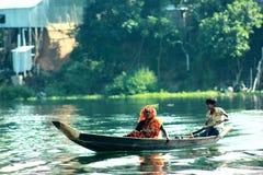 Mulher com barco Imagens de Stock Royalty Free