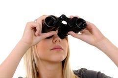 Mulher com binóculos Imagem de Stock Royalty Free