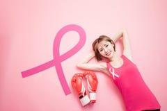 Mulher com câncer da mama da prevenção fotos de stock royalty free