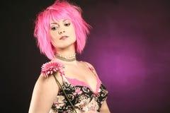 Mulher com cabelo cor-de-rosa Fotos de Stock Royalty Free