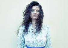 Mulher com cabelo do voo Foto de Stock