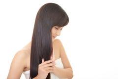 Mulher com cabelo longo bonito Fotos de Stock