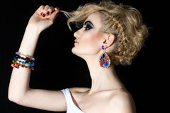 Mulher com cabelo louro e composição Foto de Stock