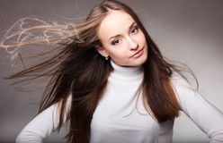 Mulher com cabelo magnífico do vôo Fotos de Stock