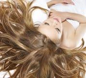 Mulher com cabelo maravilhoso fotografia de stock