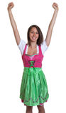 A mulher com cabelo marrom de Baviera ama o Oktob Fotografia de Stock