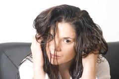 Mulher com cabelo molhado Foto de Stock Royalty Free