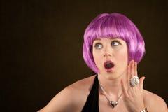 Mulher com cabelo roxo Fotos de Stock Royalty Free