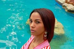 Mulher com cachoeira Fotos de Stock Royalty Free
