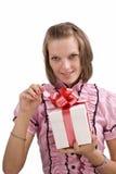 Mulher com caixa de presente imagens de stock