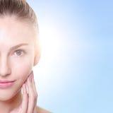 Mulher com cara da beleza e pele perfeita Imagem de Stock Royalty Free