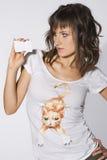 Mulher com cartão Fotografia de Stock Royalty Free
