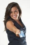 Mulher com cartão de crédito Imagens de Stock