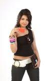 Mulher com cartão e carteira de crédito fotografia de stock royalty free
