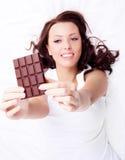 Mulher com chocolate Fotografia de Stock