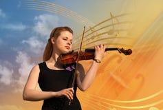 Mulher com colagem do violino fotos de stock