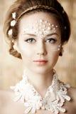 Mulher com composição criativa das pérolas Imagens de Stock Royalty Free