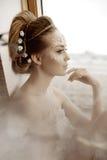 Mulher com composição criativa das pérolas Foto de Stock